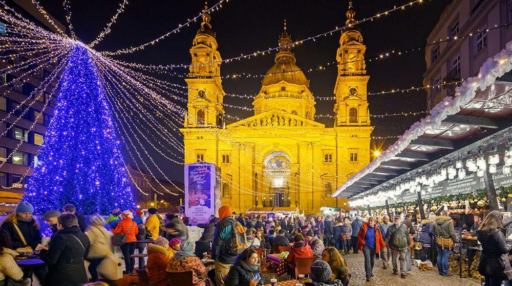 Budapest Christmas Market 2018.Budapest Xmas Markets Blue Sea Holidays